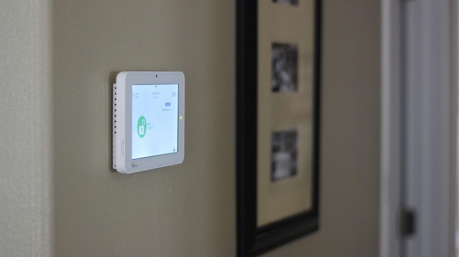 4 Advantages of a Hardwired Burglar Alarm System